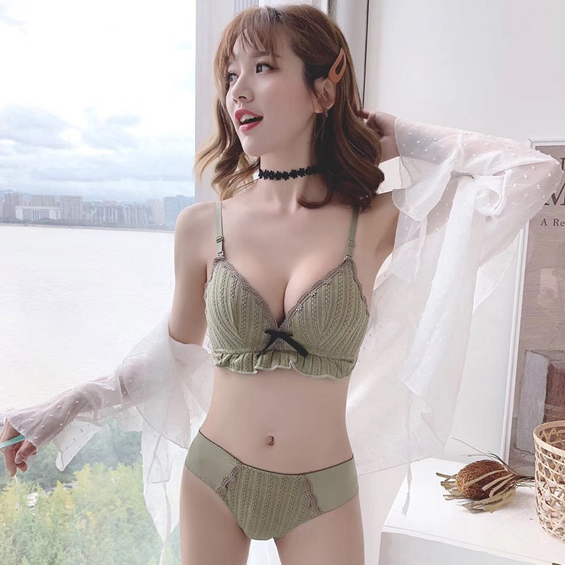 Sexy Triangle Cup Small Chest Bra Set Gathered No Steel Ring Sexy Thin Lace Bow Bra Set With Pantie