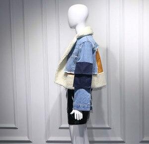 Image 5 - DEAT gabardina con cuello vuelto de piel de oveja para invierno, chaqueta de manga larga de retales de tela vaquera azul con letras estampadas, WJ1020, 2019