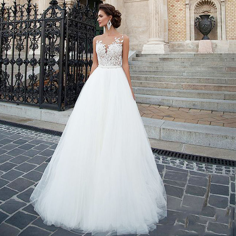 Eightree Sleeveless Wedding Dress 2019 Beach Bridal Romantic Buttons Vestido De Novia Gown Tulle Lace Appliques Wedding Dresses