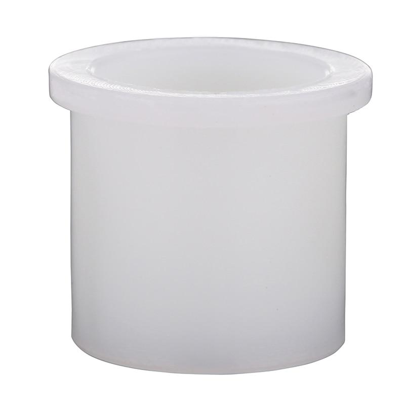 Пластиковая заклепка белого цвета диаметром 20 мм