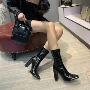 Image 5 - סלבריטאים נעלי אישה מגפי כיכר ראש גבוהה עקבים מתכת פאייטים שחור עור אלסטי קרסול מגפי 2019 חורף אופנה הנעלה