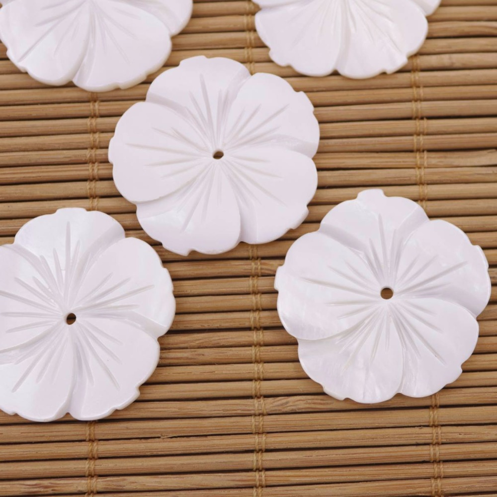 Купить с кэшбэком 5 PCS 30mm Shell Flower Natural White Mother of Pearl Loose Beads Jewelry Making