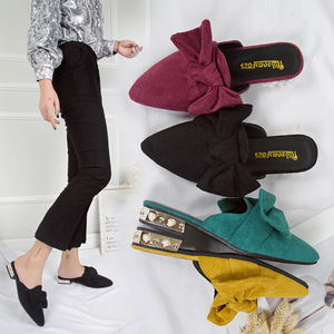 Image 5 - حذاء نسائي من SWYIVY مزود بغطاء للأصابع بنصف نعال لعام 2019 حذاء نسائي صيفي مزخرف بنحل مثير بمقدمة مدببة حذاء نسائي غير رسمي