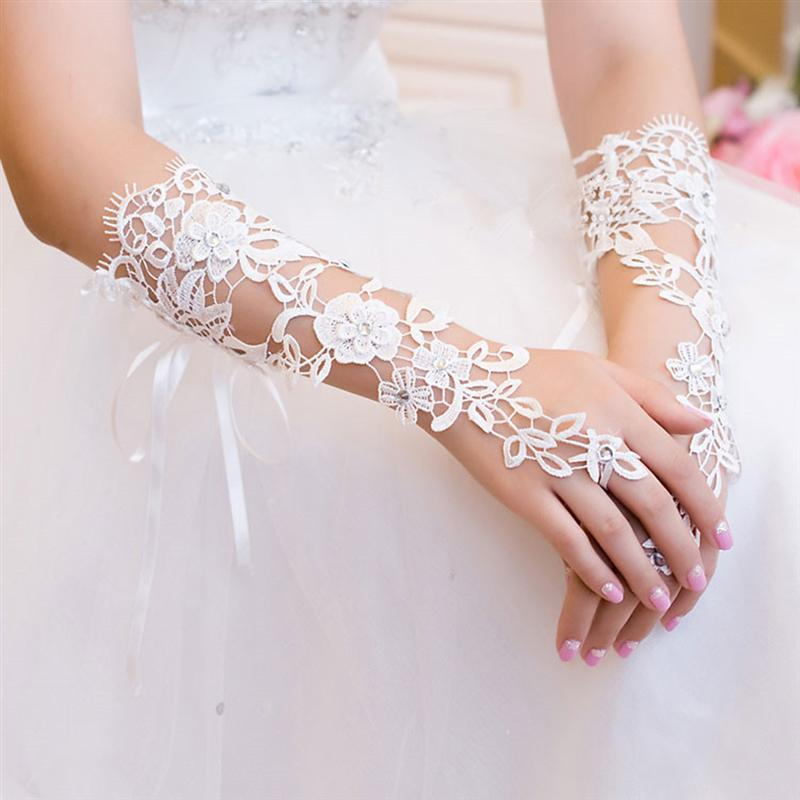 Short Wedding Gloves Women Fingerless Bridal Gloves Elegant Rhinestone White Lace Gloves For Bridal Wedding Accessories