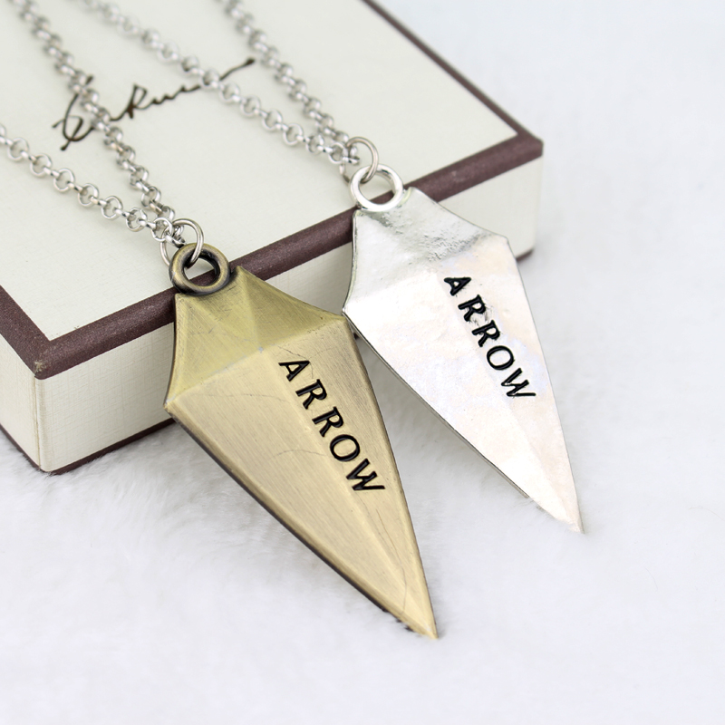 Hot DC Comic Arrow Arrow Logo Colar Oliver Queen Super Hero TV Pingente moda Cosplay jóias presente de aniversário de Natal