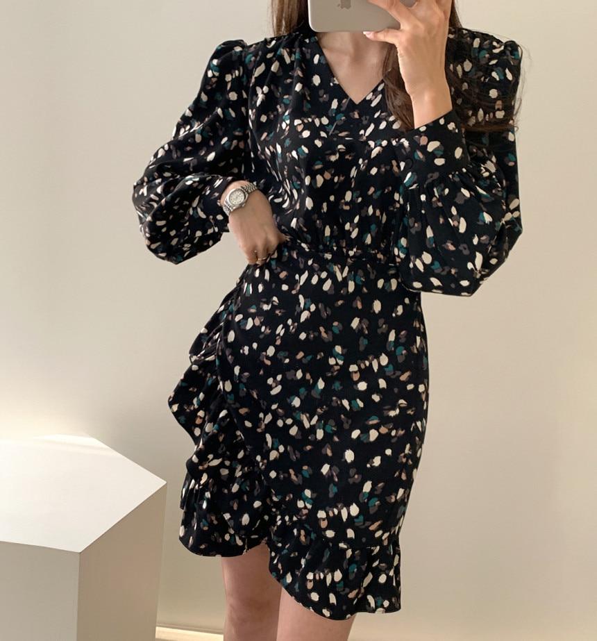 H3b2ca22cf92c4b76af181b376dc99e34Q - Autumn V-neck Long Sleeves Floral Print Flounced Mini Dress