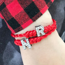 LISTE&LUKE Lucky Bracelet New A-Z Hand Made Crystal Red Fashion 1PC Girlfriends Gift Women Men Simple 26 Letter Couple цены