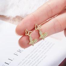 Милые изящные серьги бабочки серебряного цвета циркониевые для