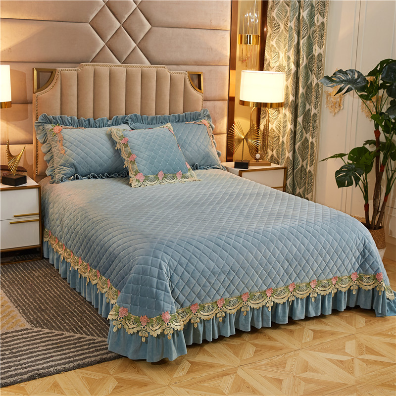 Luxury Blue Purple Beige Gray Lace Embroidery Thick Quilted Fleece Velvet Bedspread Bed Cover Bed Sheet Blanket Pillowcases 3pcs title=