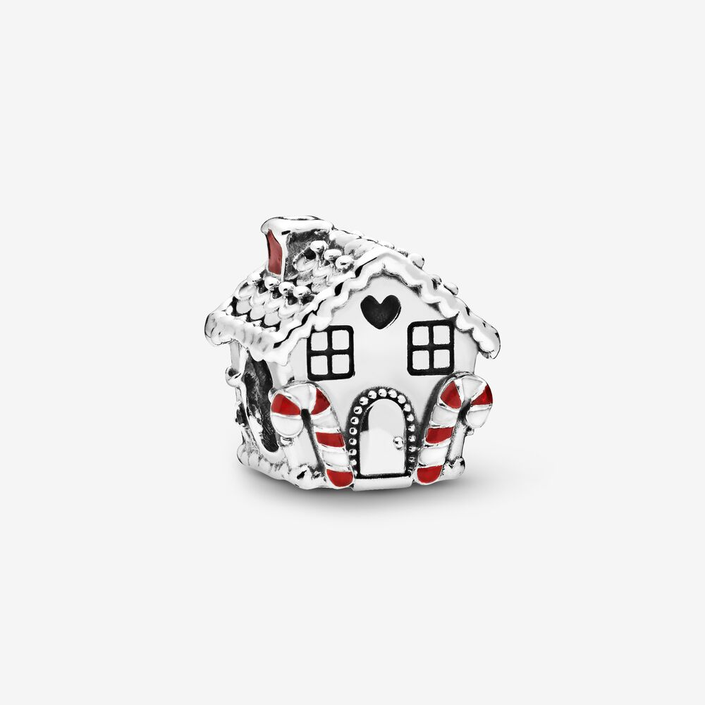 38Gingerbread House Charm