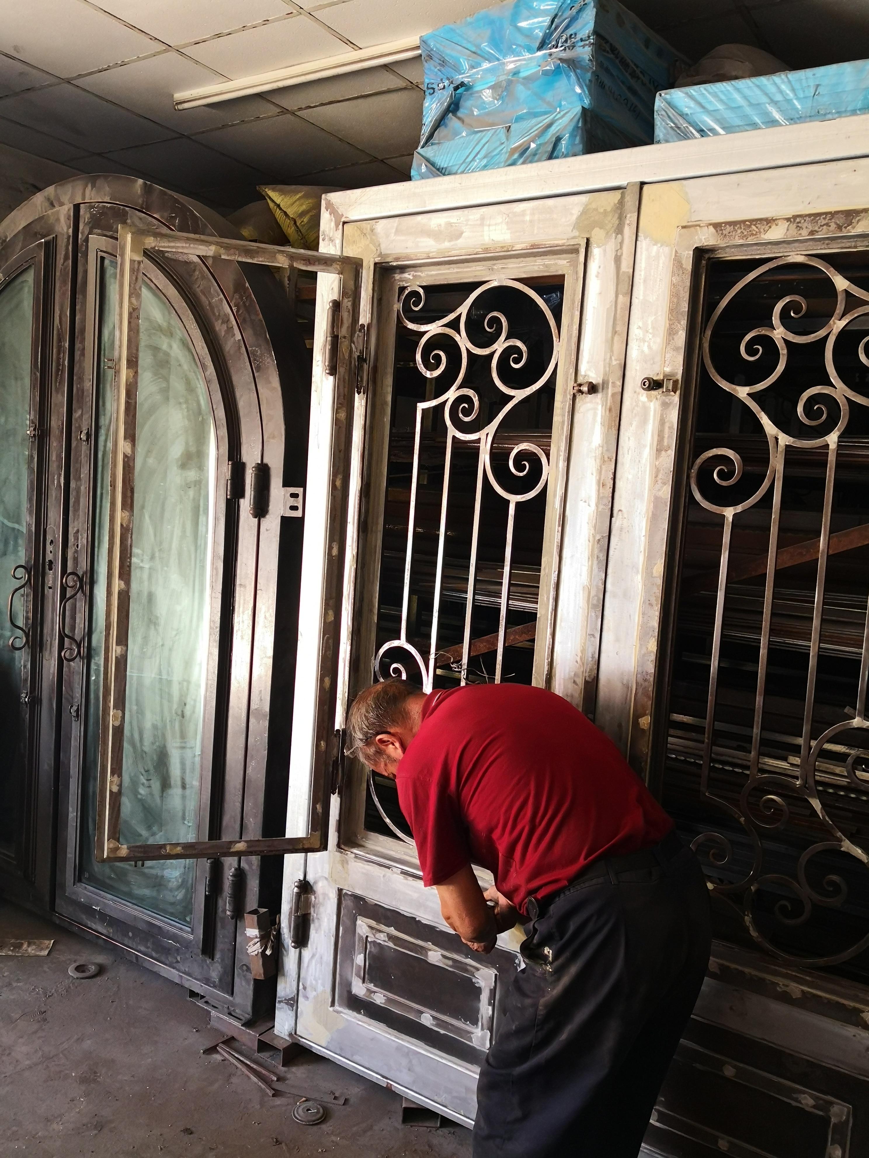 Shanghai Hench Brand China Factory 100% Custom Made Sale Australia Decorative Wrought Iron Doors