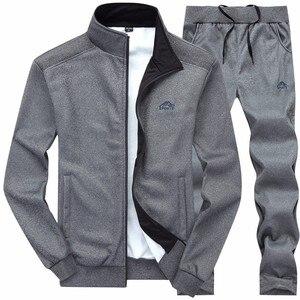 Image 2 - جديد الرجال مجموعات الأزياء الرياضية دعوى الدافئة التطريز سستة البلوز + Sweatpants الرجال الملابس 2 قطعة مجموعات سليم تراكسويت 2020