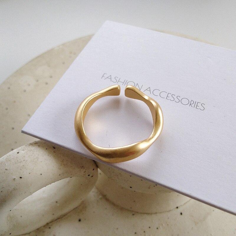 Neue Matte Frosted Gold Einfache Ring Persönlichkeit Temperament Offenen Reif Licht Luxus Täglichen Vielseitig Band Ins Weibliche