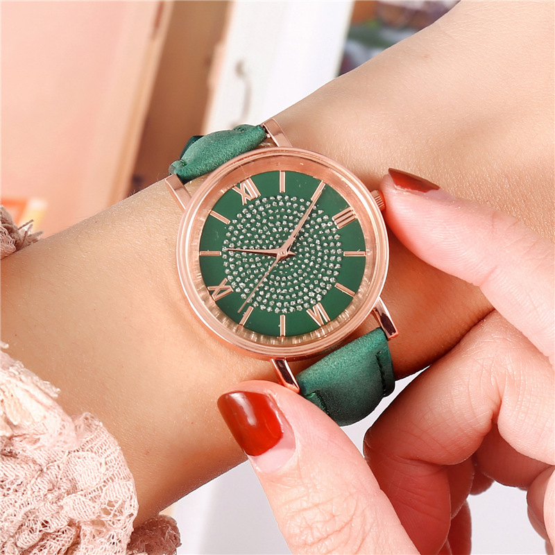 2020-New-Starry-Dial-Female-Watch-Fashion-Roman-Scale-Ladies-Quartz-Watch-Bracelet-Watch-Female-Watch (3)