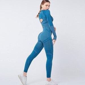Image 4 - Женский бесшовный комплект из 2 предметов для йоги, фитнеса, тренировок и брюк, спортивная одежда с длинным рукавом, укороченный топ, тренажерный зал, леггинсы, спортивные костюмы