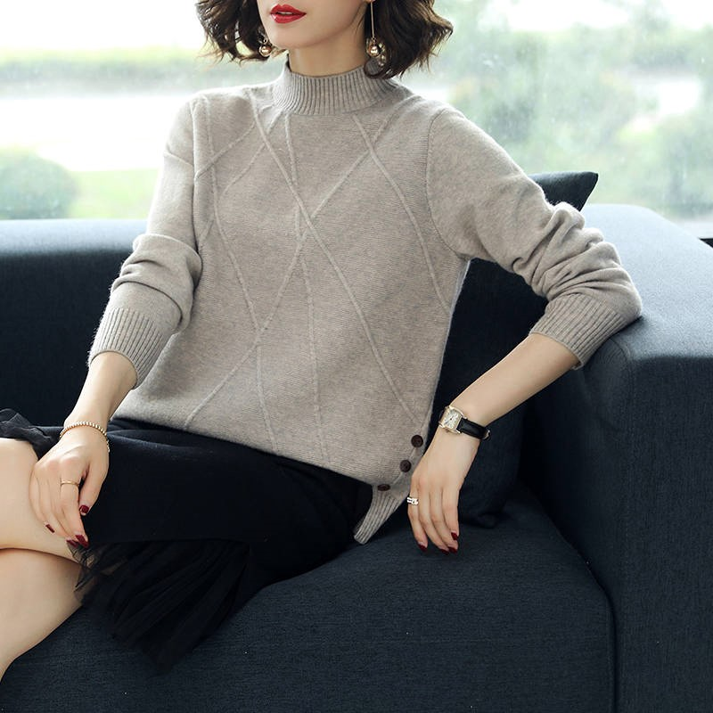 2020 Women Autumn And Winter Loose Casual Solid Color Sweater Long-sleeved Sweater Women Short Sweater