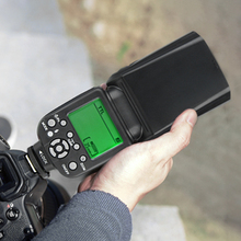 TRIOPO TR 988 المهنية Speedlite TTL فلاش كاميرا مع مزامنة عالية السرعة لكانون ونيكون كاميرا SLR الرقمية TR988 + الناشر