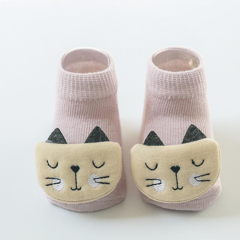 Paire de chaussettes en coton et toute mignonne pour bébé