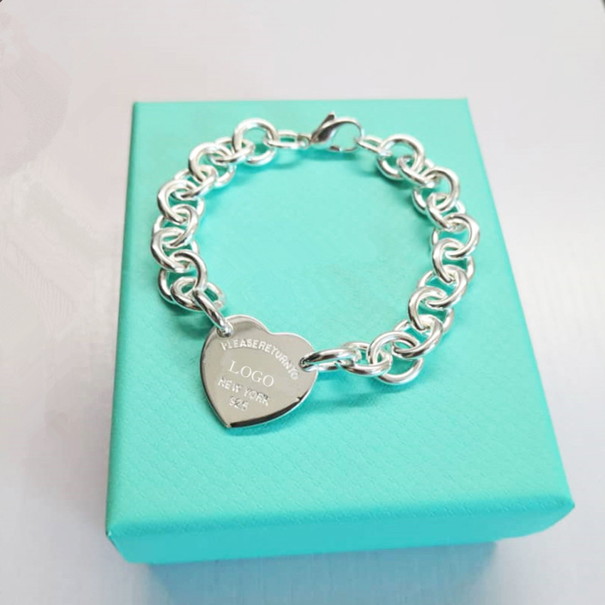 Ladies S925 Sterling Silver New European and American Popular Heart Pendant Bracelet Jewelry Holiday Gift Free Shipping