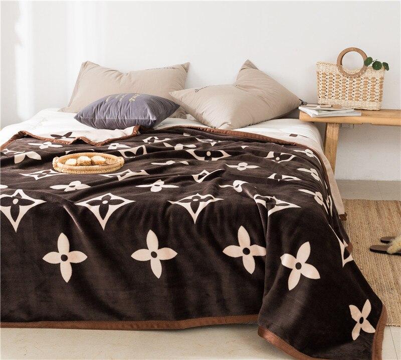 1 Pc Fleece Fabric Blankets Soft Comforter Bedding Quilts Bedspread