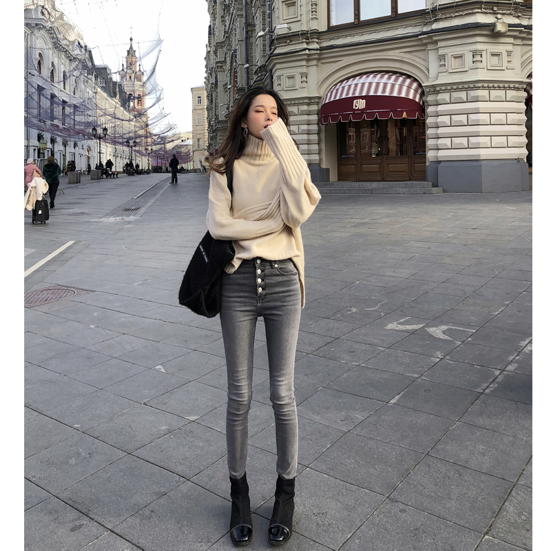 Mishow 2018 Winter New Sweater Coat Female Loose High Collar Bottoming Thicken Pure Color Sweater MX18D5536