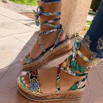 Sandalias de talla grande para mujer, 43 tacones a la moda de talla grande 2020, cordones al por mayor, zapatos de verano con estampado de serpiente múltiples, sandalias de plataforma INS