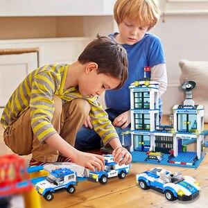 Image 3 - 818Pcs Stad Politie Station Swat Auto Bouwstenen Compatibel Stad Politie Bricks Jongens Vrienden Speelgoed Voor Kinderen Geschenken