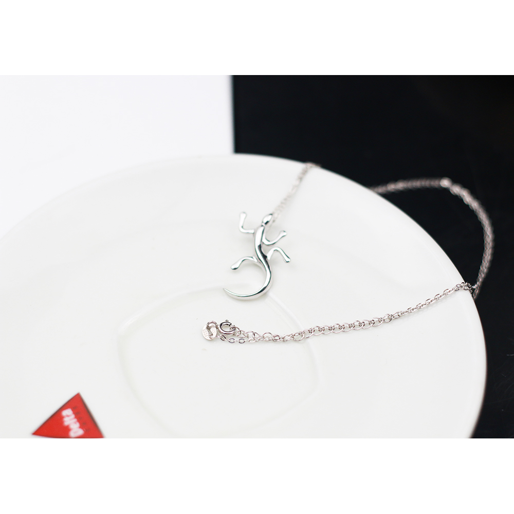 sterling silver S925 chain necklace with lizard gecko pendent CLOVER JEWELLERY