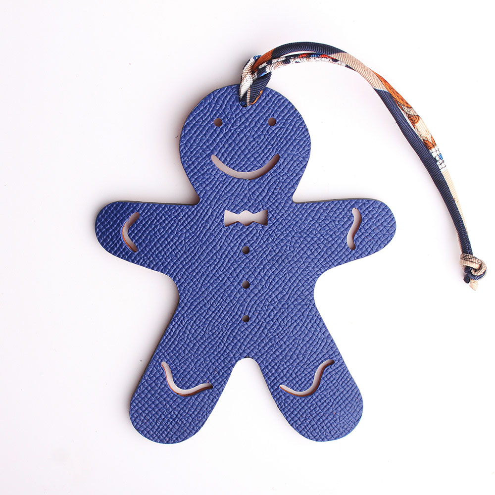 Designer Famous Brand Luxury Real Silk Strap Cute Gingerbread Man Genuine Leather Keychain Pendant Women Backpack Bag Charms
