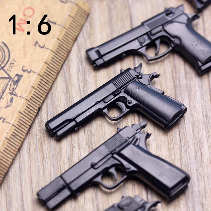 1:6 Soldiers Pistols Model Ornament Plastic Gun  Desert Hawks Walter Browning Military Sandbox Scenes For 12