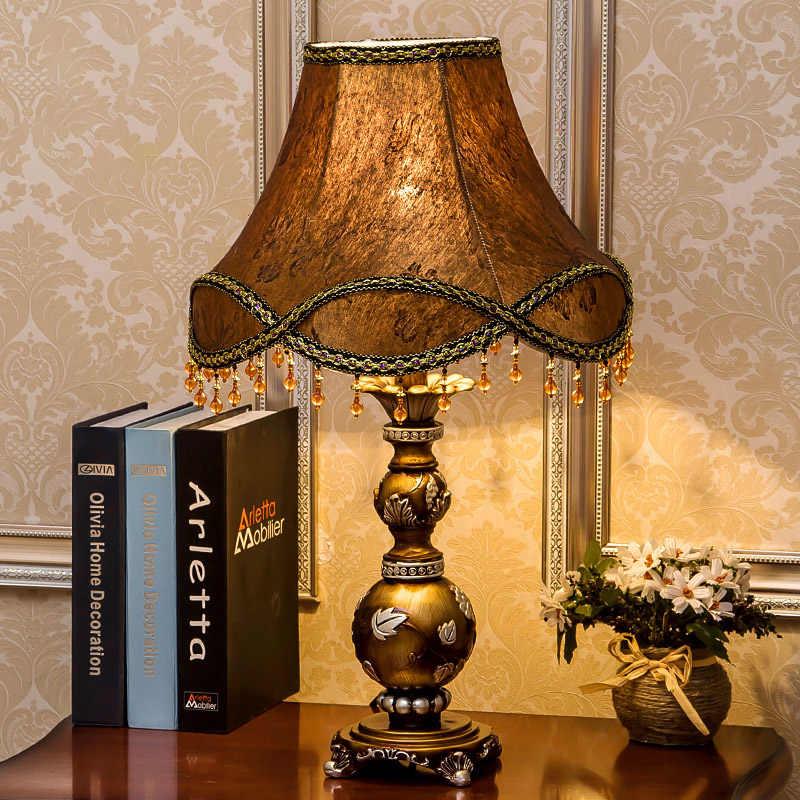 Moderne decor Harz Tisch Lampe schlafzimmer wohnkultur Bettwäsche Dekorative bronze basis Schreibtisch Licht Europäischen Tisch Leuchte Stoff Schatten