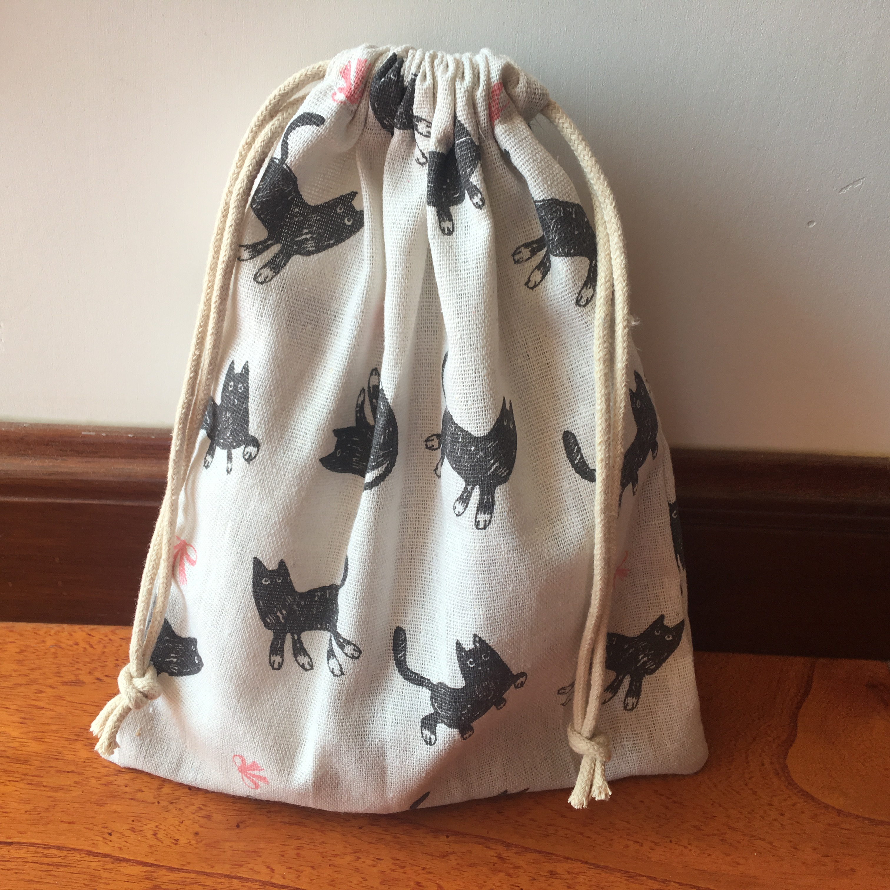 1pc Cotton Linen Drawstring Multi-purpose Pouch Party Gift Bag Black Cat Pink Bowknot YI