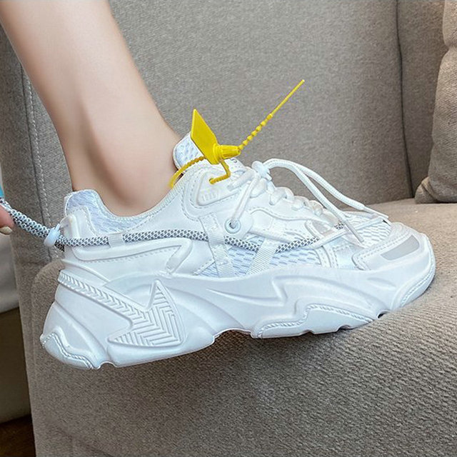 Купить модные белые женские кроссовки 2020 в готическом стиле корейском