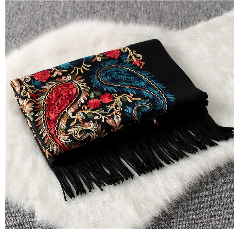 Luxury Brand New Women Scarf High Quality Embroider Flower Winter Cashmere Scarves Lady Shawls Wraps Female Pashmina Echarpe