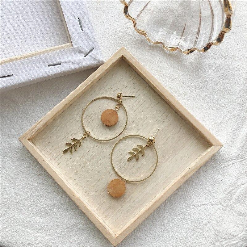 Vintage Handmade Asymmetrical Hoop Leaf Drop Earrings Korean Leaves Round Wood Pendent Earrings for Women Girls Ear Jewelry Gift