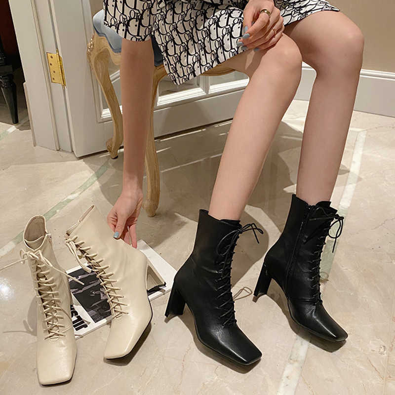 Giày Bốt Nữ Gót Vuông Mắt Cá Chân Giày Dành Cho Người Phụ Nữ Retro Vuông Cao Gót Giày Boot Cổ Ngắn Mùa Thu Đông Thời Trang Nữ Giày mới