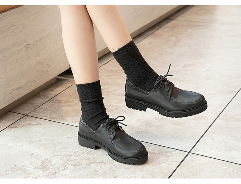 2020 British Style Soft Leather Women Flats Oxfords Black White Flat Oxford Shoes For Woman Round Toe Student Brogue Shoes (2)