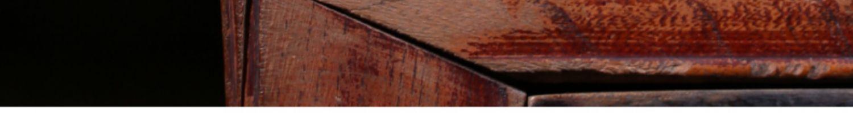 Bule de argila roxa mão cheia esculpida