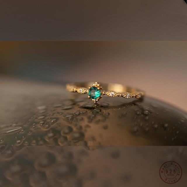 925 Sterling Silver Fashion Tail Ring Women Plating 14k Gold Simple Design Inlaid Emeralds Wedding Jewelry Accessories