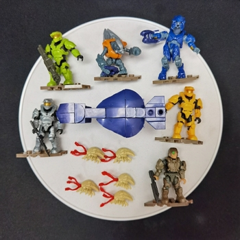 CLASH ON THE RING FIGURES  Micro Covenant Frigate MEGA CONSTRUX HALO the clash sandinista