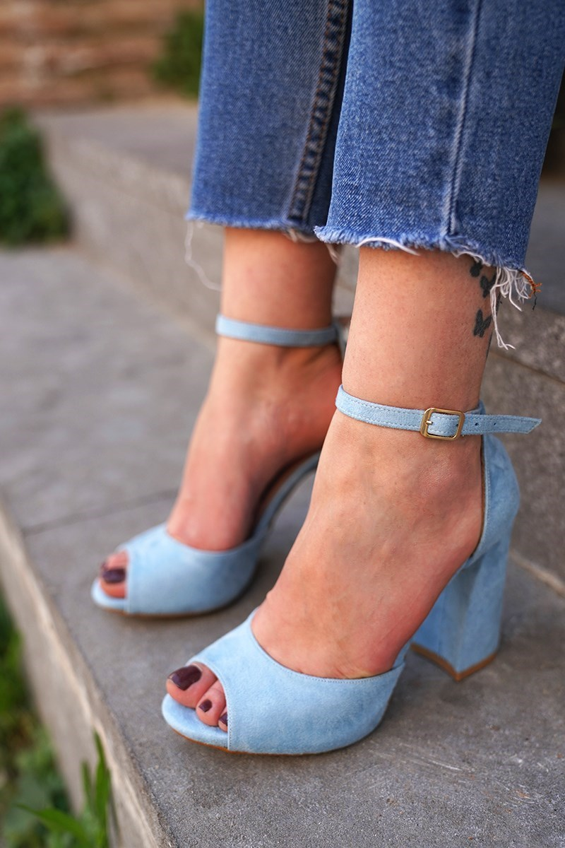 Bebe Blue Suede Heels Shoes K5217 title=