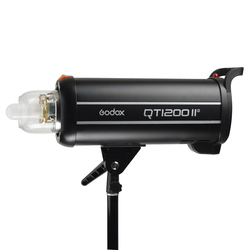 Godox QT1200IIM 1200WS GN102 1/8000s High Speed Sync Built in 2.4G Wirless X System with Bulb Flash Strobe Light Lamp the flash