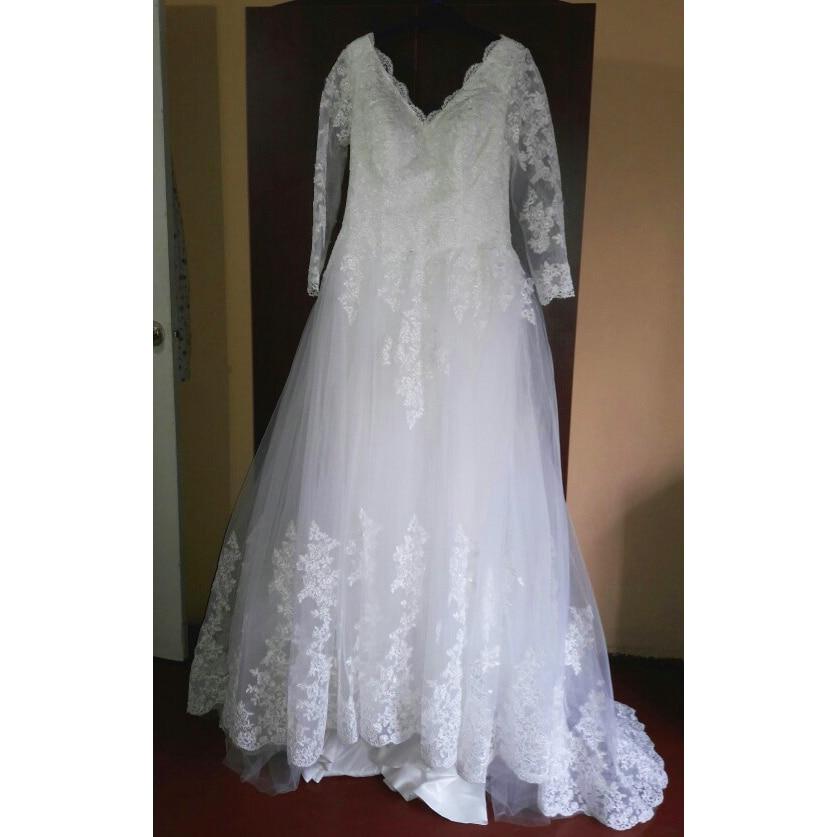 Romantic V-neck Long Sleeves Elegant Princess Wedding Dress Celebrity Ball Gown