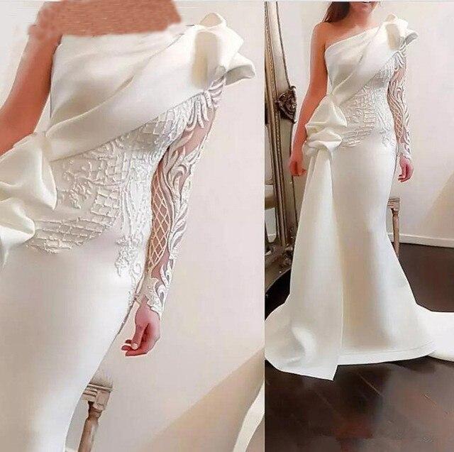 Elegant One Shoulder Mermaid Long Evening Dress 2020 White Long Sleeves Arabic Prom Dresses Satin Ruffles Appliques Formal Gowns