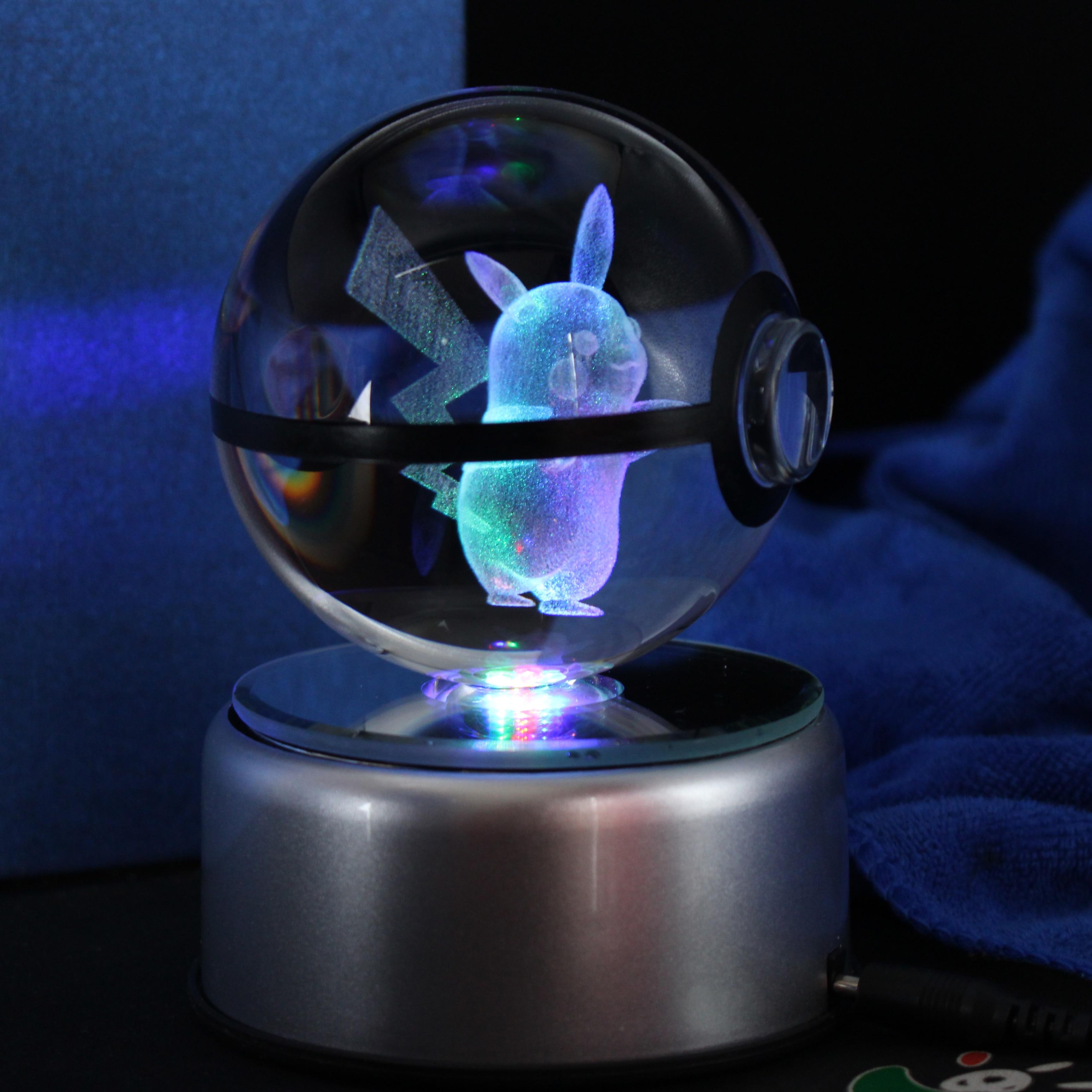 Pokeball populaire en verre de cristal de diamètre de 80mm 3.15 pouces avec la Base de lampe à LED tournée cadeaux de noël
