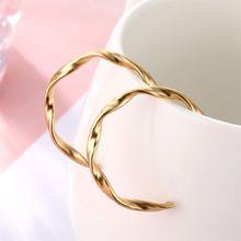 Новые простые в виде геометрических фигур круг серьги золотого