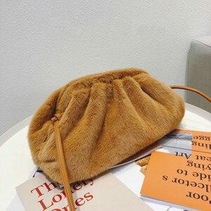 Image 5 - Sac pour femmes 2019 hiver nouveau en peluche Dumplings sac mode Simple épaule diagonale sac à main femme sacs solide couleur rétro Style