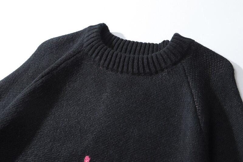 Sueter estilo Kawaii Noir con llamas rosas 20