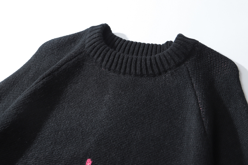 Sueter estilo Kawaii Noir con llamas rosas 33
