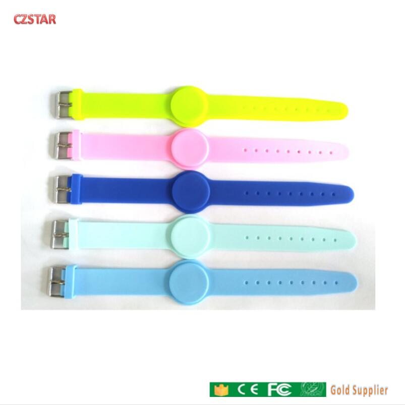 Colorful 13.56mhz Iso14443A Read Write RFID Silicone Wristband Tag With Adjustable Wrist Strap For Adult Child Kids Baby